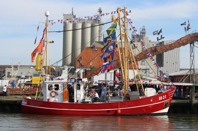 Language In 45 And 47 Stella Street: Schiffe Im Büsumer Hafen